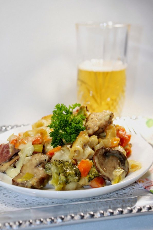 Makarone i pilletina u bešamel sosu