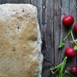 Kruh s kvasom (starterom) od grožđica