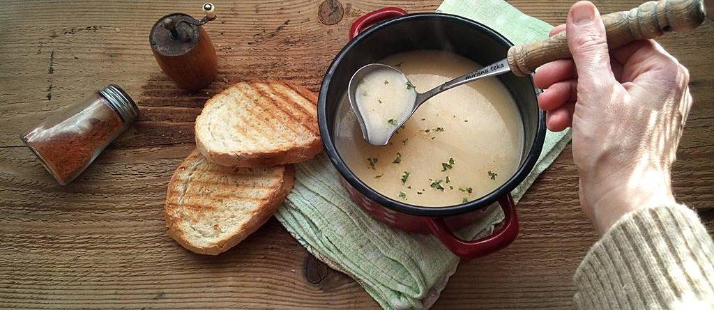 Oda toploj vodi i jasprici masti. Ampren juha.