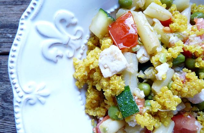 Salata od quinoe i povrća! Zasitna, bogata hranjivim tvarima, okusima i bojama!