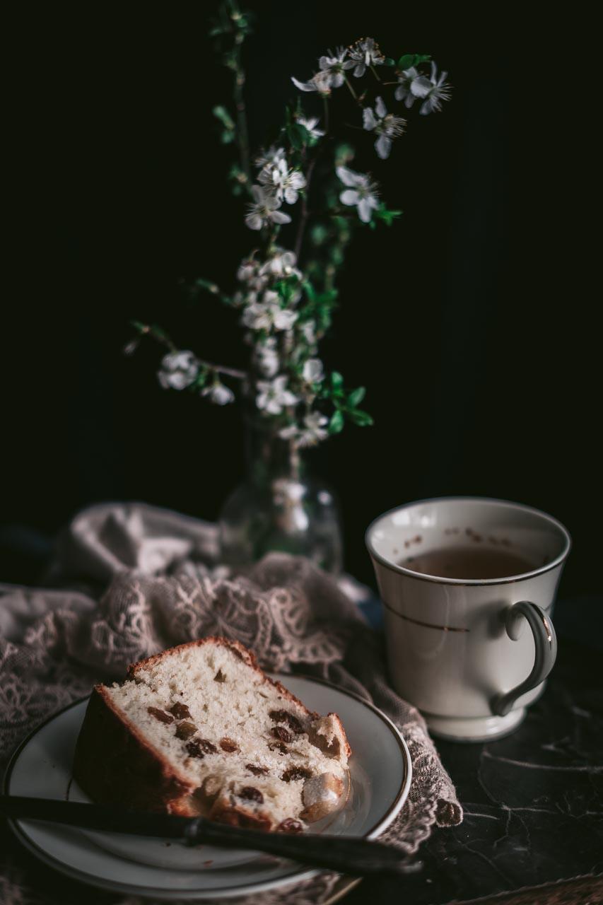 Pinca, kraljica uskršnjeg stola. Veganska je. Bez mlijeka, maslaca i jaja, ali mekana, mirisna, sočna i savršena u svakom pogledu!